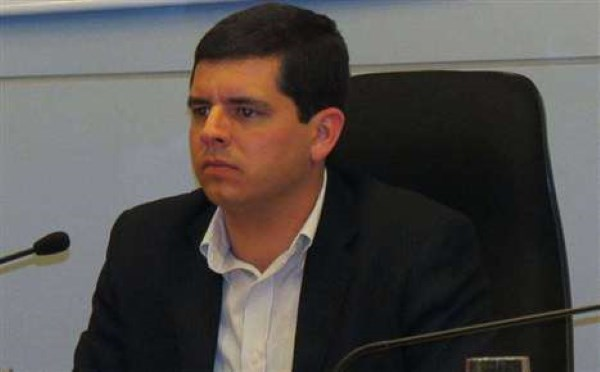 Poucas  Boas Racha o governo de Pinheiral